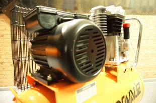 Компрессор с трехфазным двигателем